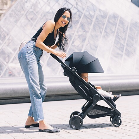 Ergobaby®  Metro Compact City Buggy  Black 12